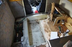 ロデオの解体した床