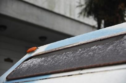 ロデオキャンパーの屋根にはちょっと雪が