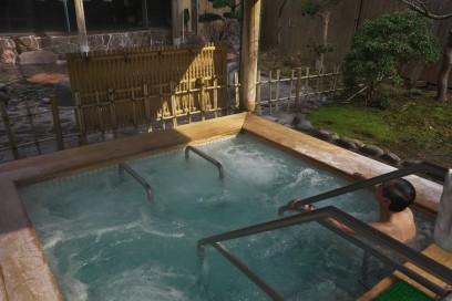 一ノ俣グランドホテル 露天風呂は雰囲気はそれなりだったが