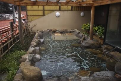俵山温泉の露天風呂でゆっくりと