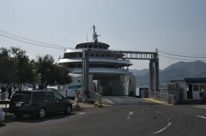 新岡山港には、2号線の渋滞のためフェリーは1便遅れた