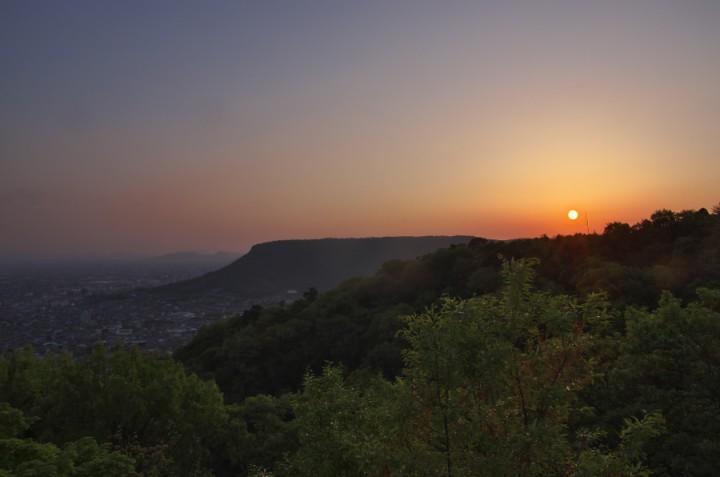 八栗寺からの屋島の夕焼け