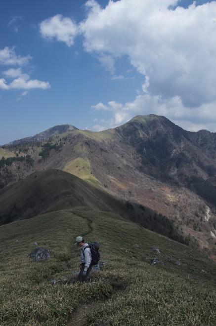 12:50 再び縦走路を引き返して剣山へ