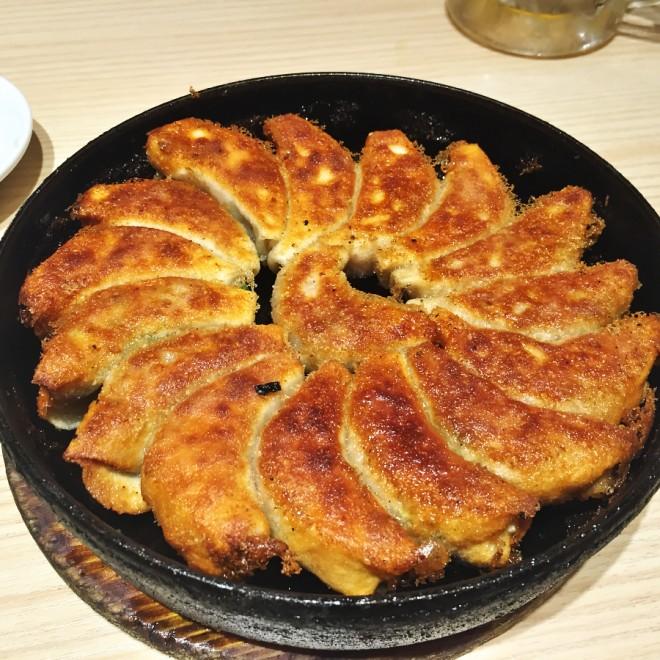 小倉名物 鉄鍋餃子