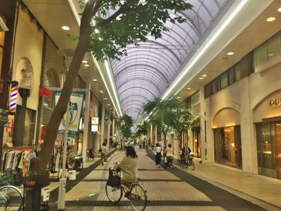 高松の片原町の商店街
