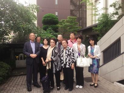 徳栄寺で記念写真