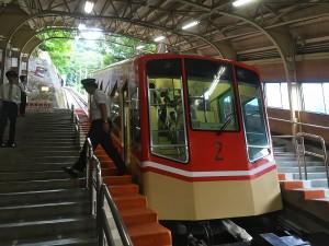 13:00 立山駅から美女平らまでケーブルカーで