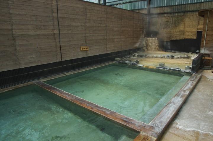 源泉が24時間注がれている ヌルヌル感のある良いお湯