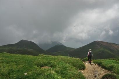 10:57 久住山から稲星山方面へ下る