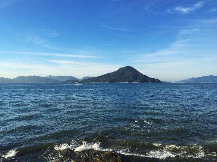 爽やかですね 広島湾の似島もスッキリ