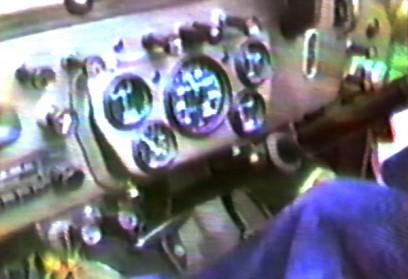 J54で林道を飛ばします
