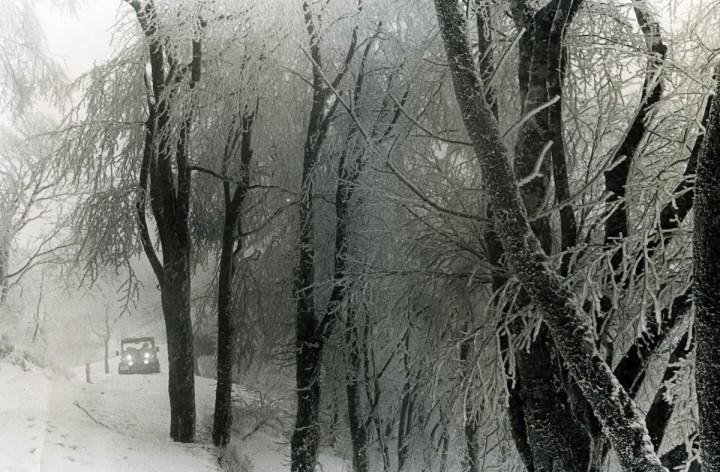 雪の中のHJ-58 4☓4マガジンの裏表紙に掲載された