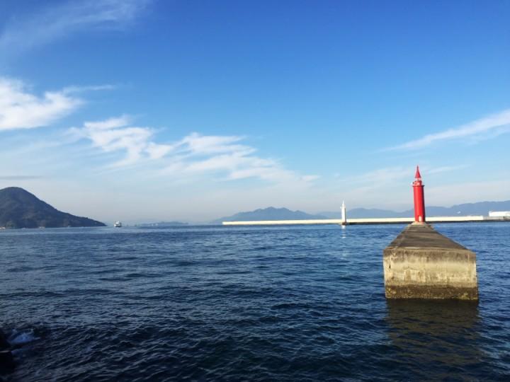 広島港の入り口 似島は目の前