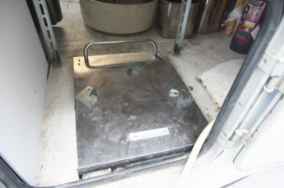ガス釜を載せるステン台車