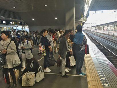 岡山でマリンライナーを待つ 1時間遅れ