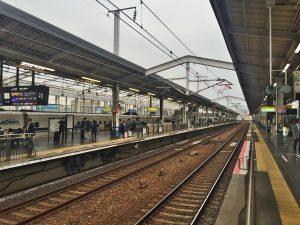 岡山駅で新幹線を待ちます