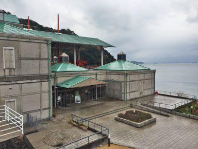 雨雲が通り過ぎるまで遣唐使船の博物館へ