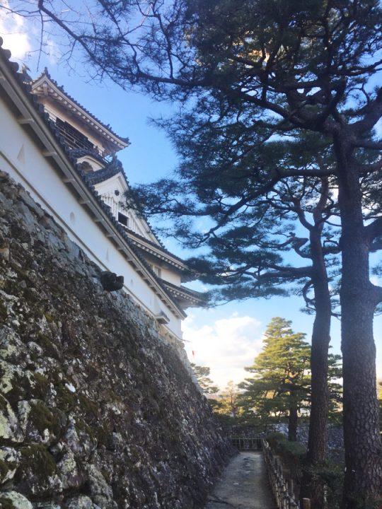高知城をゆっくりと見て回る