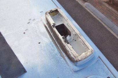 排気ダクトの排出部分の余分な開口を塞ぐ