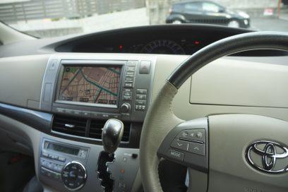 運転席回りも最近の車の雰囲気 装備品もいろいろ変わっている