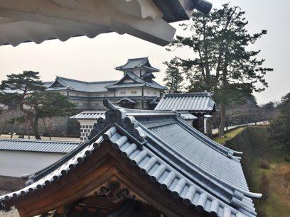 石川門から金沢城に