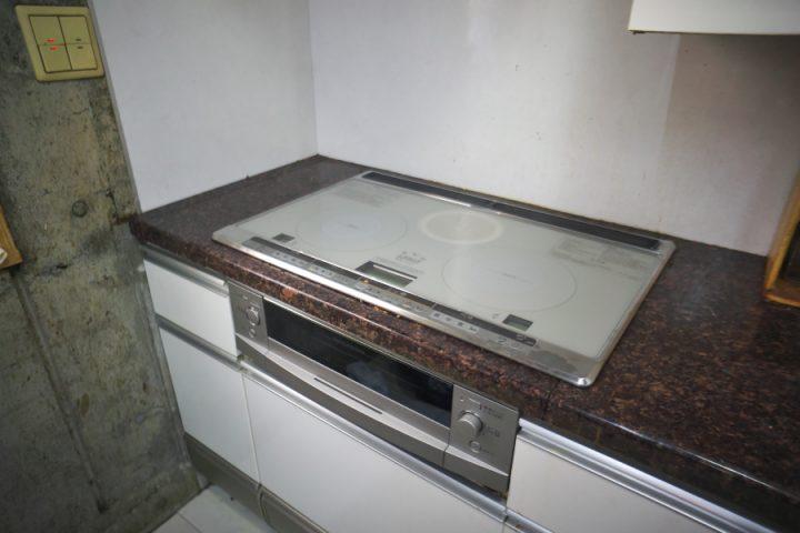 三菱電機IHクッキングヒーター(CS-G38VNWS)をセットしました キッチンの天板は花崗岩