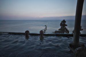 海灯りの露天風呂