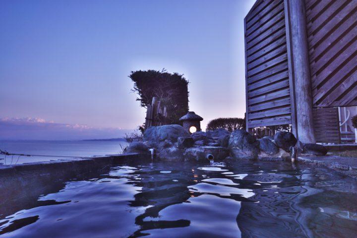 富山湾を望む露天風呂(4F)