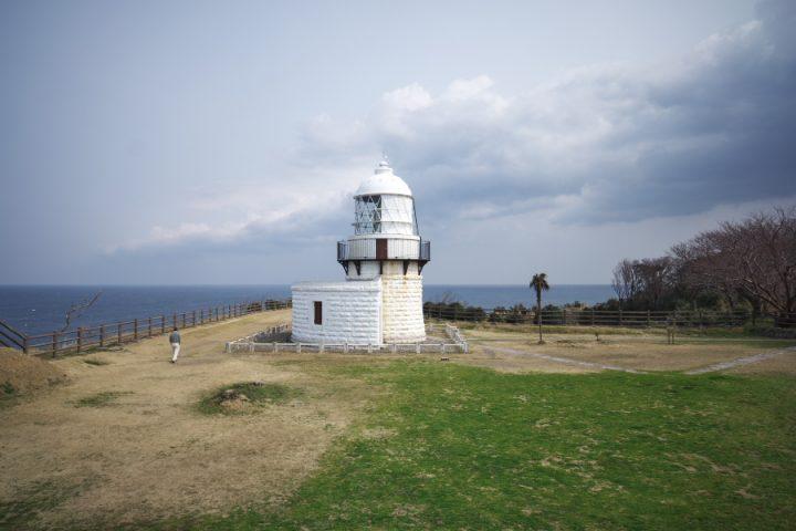能登の最先端 禄剛崎灯台 周囲の景観がきれい