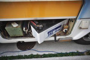 キッチンカーSUBバッテリーから12Vを取ります